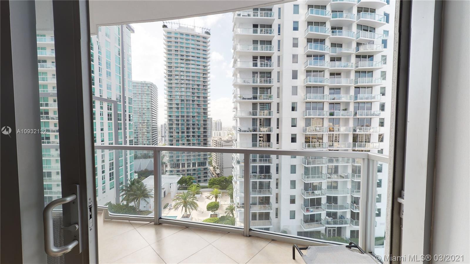 1060 Brickell Ave #2015 photo010