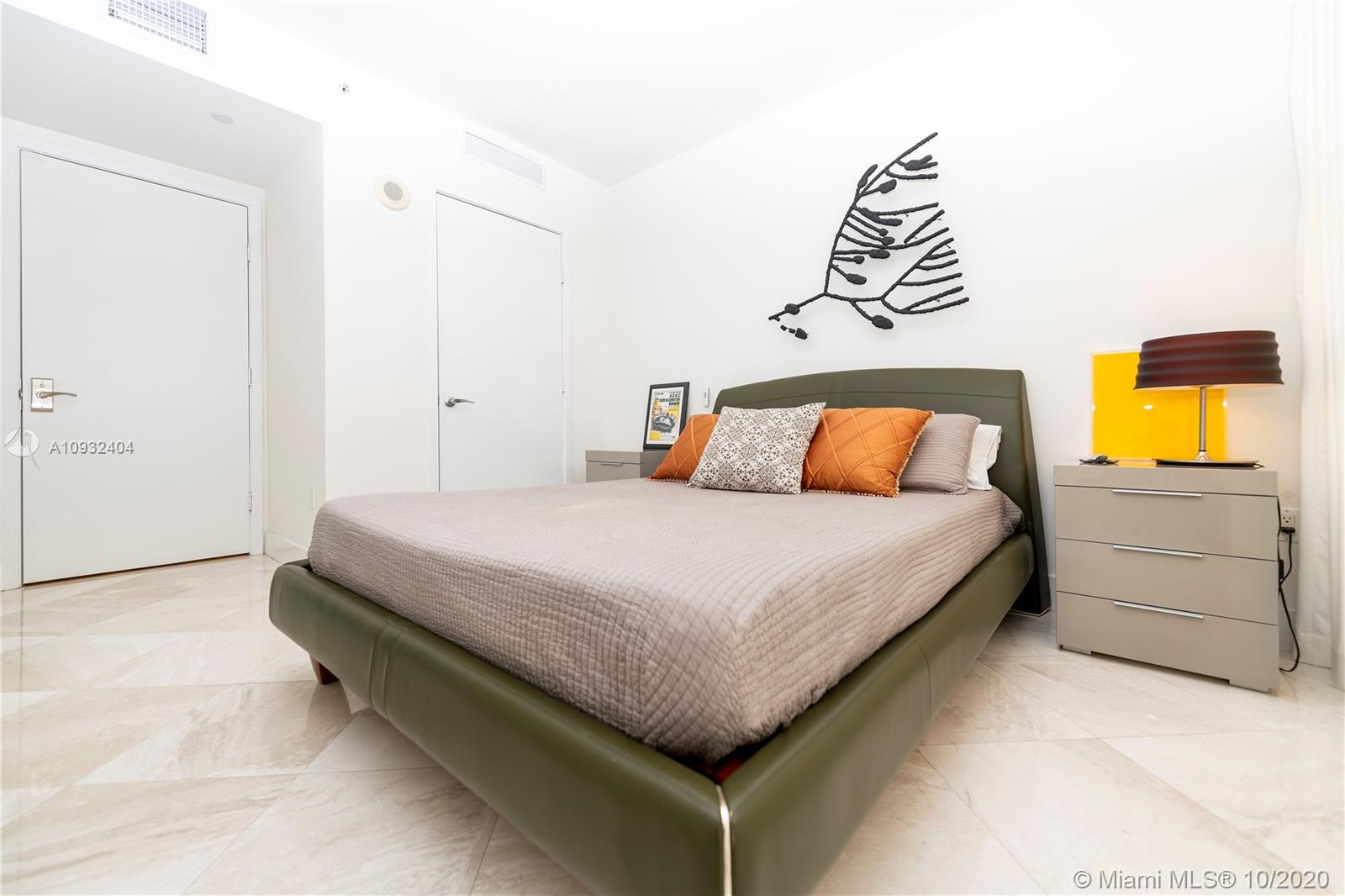 Photo of 5875 Collins Ave #508 listing for Sale