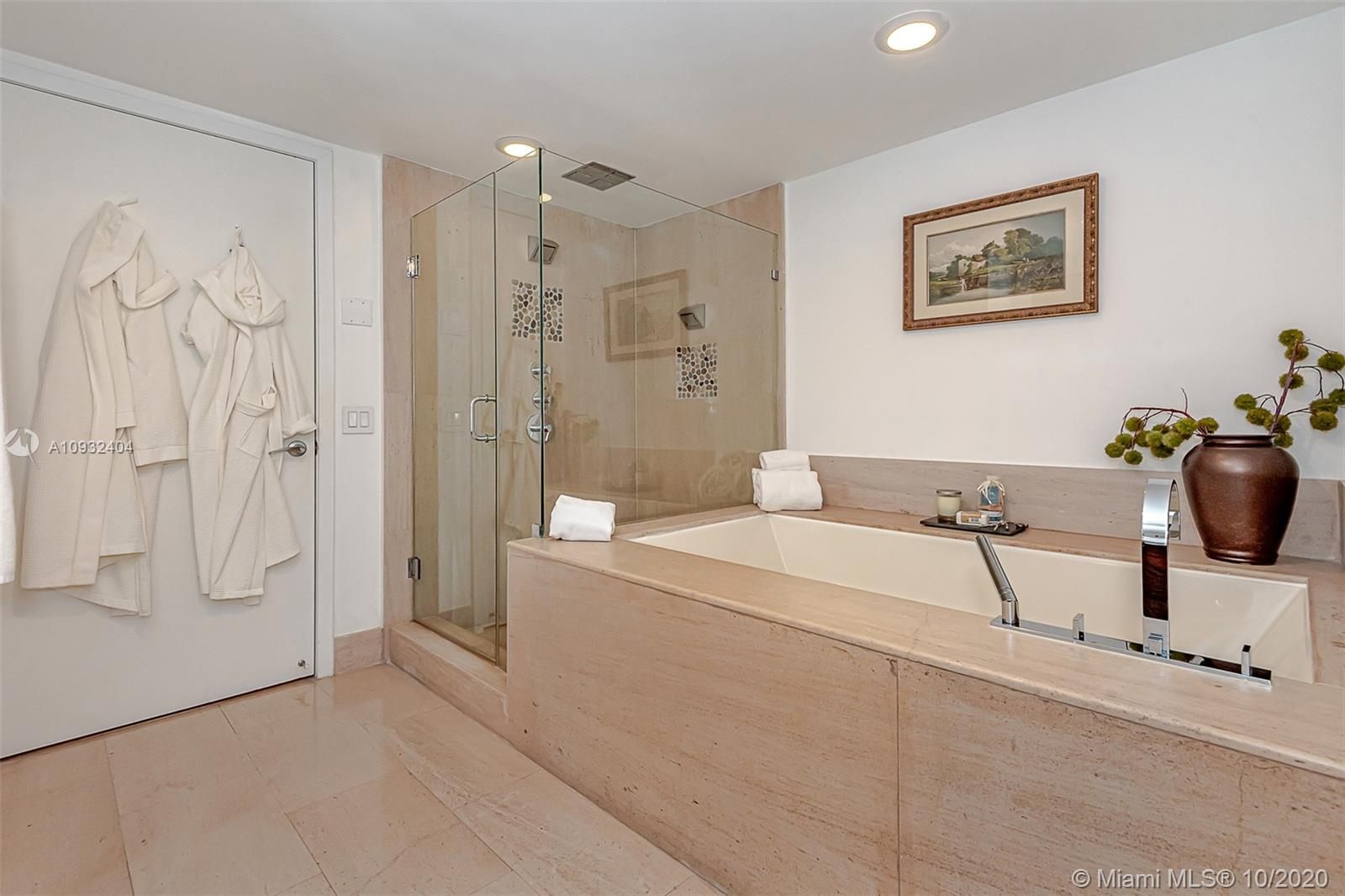 5875 Collins Ave #508 photo018