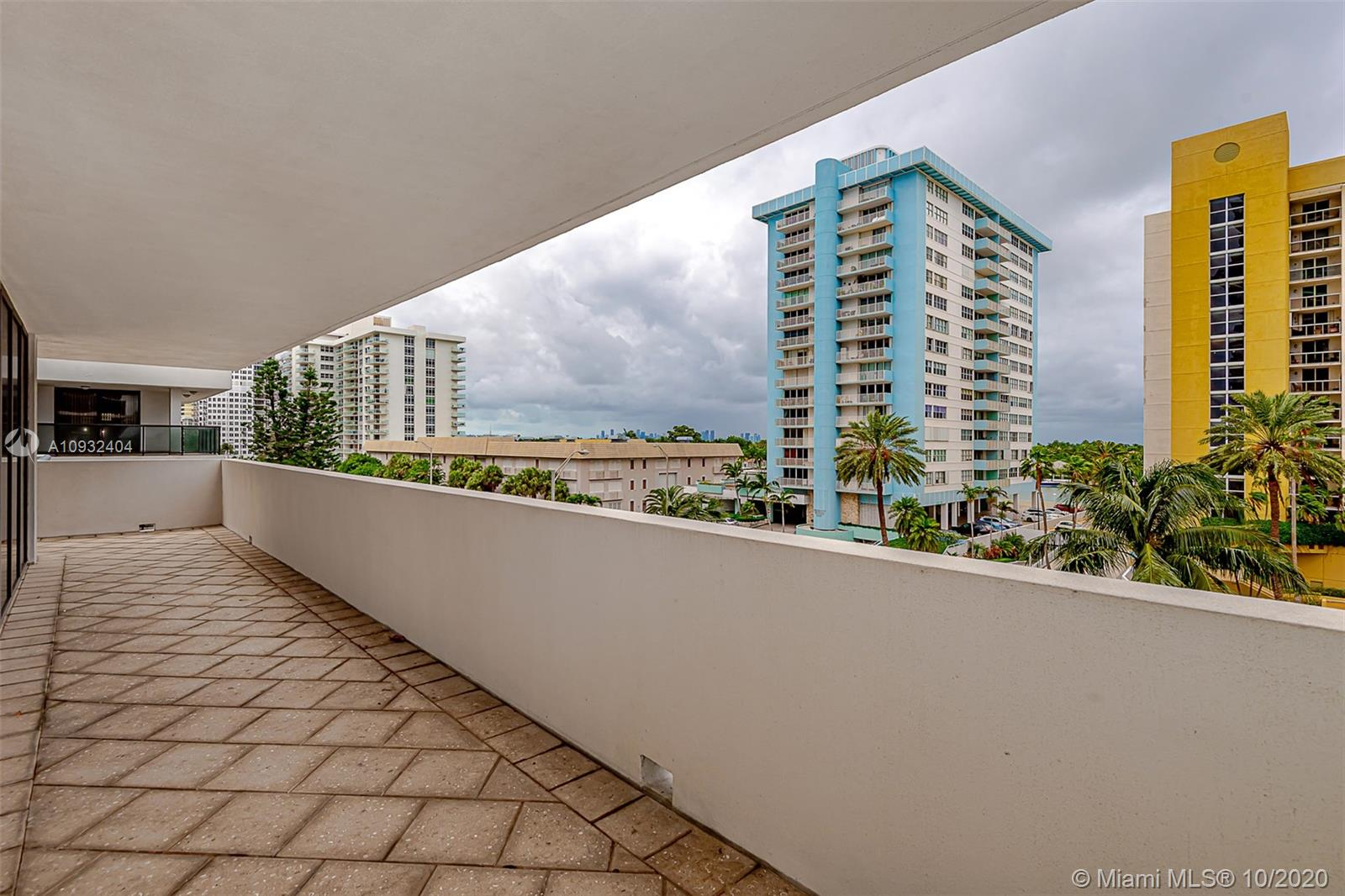 5875 Collins Ave #508 photo021
