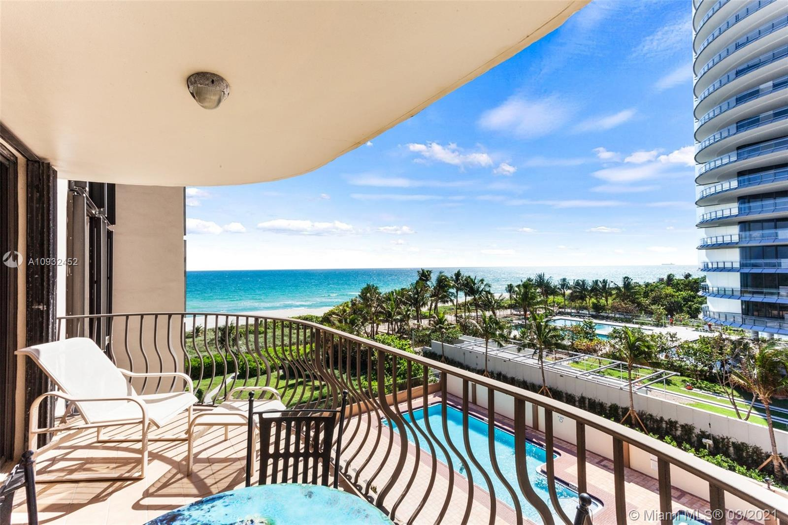 8777 Collins Ave #511 photo02