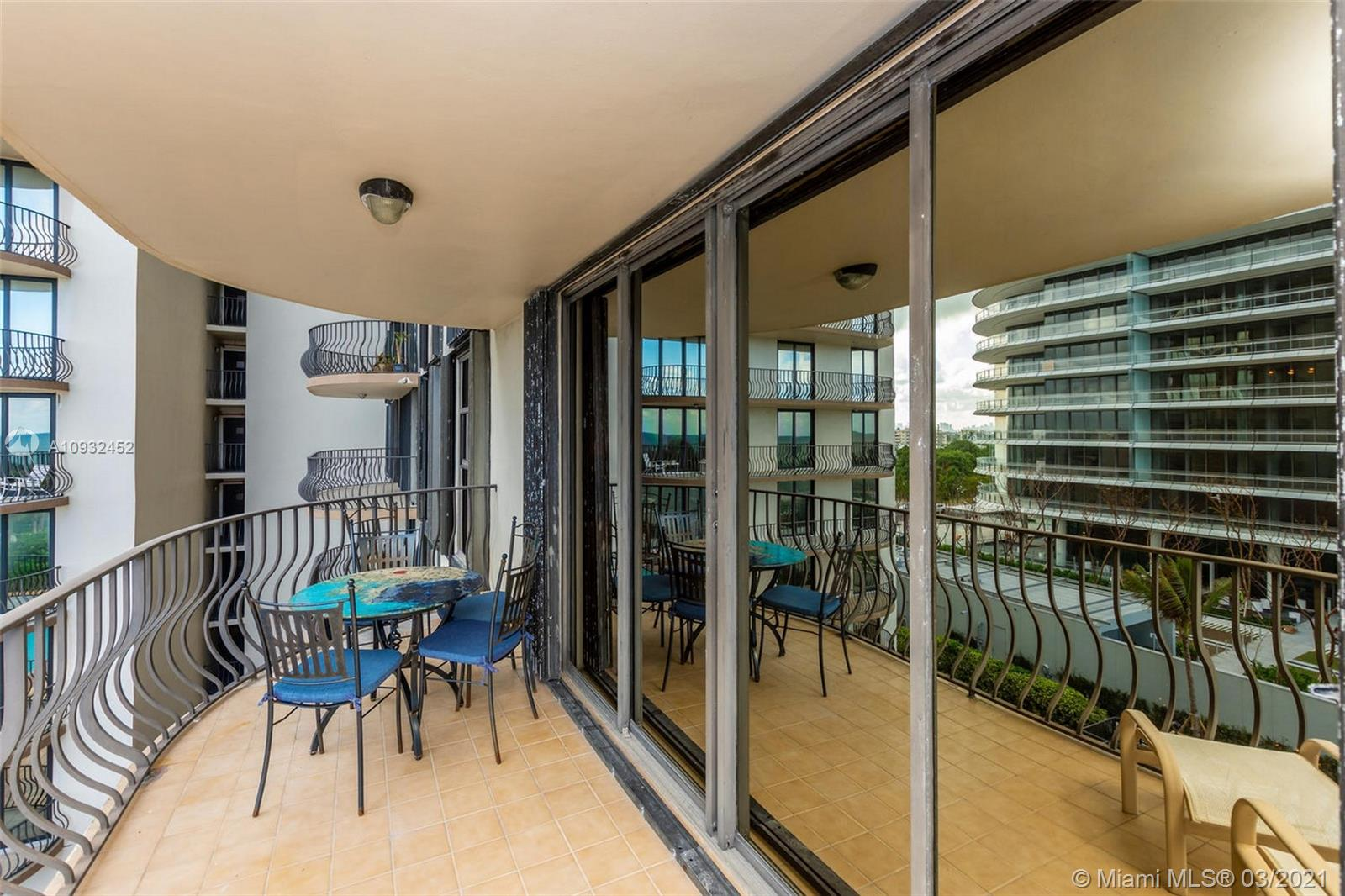 8777 Collins Ave #511 photo012