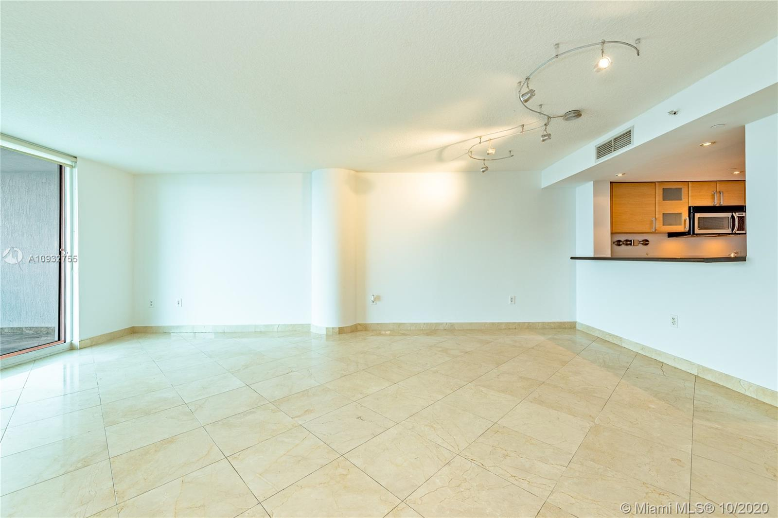 2101 Brickell Ave #1006 photo03