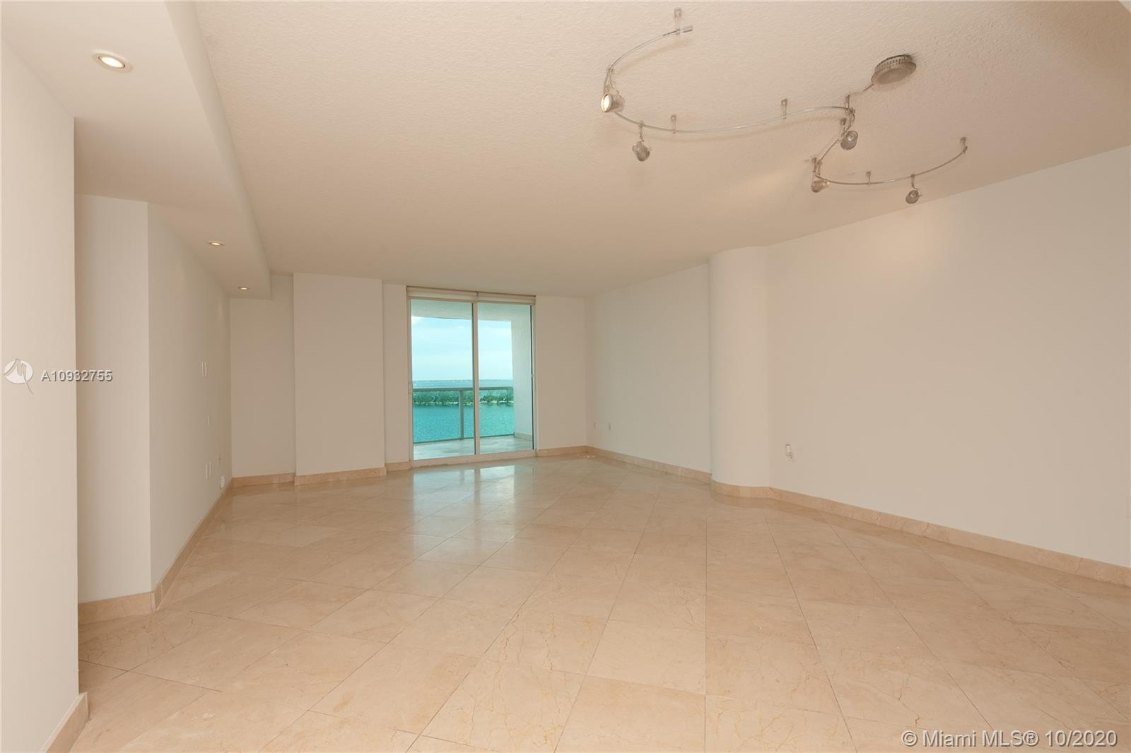 2101 Brickell Ave #1006 photo04