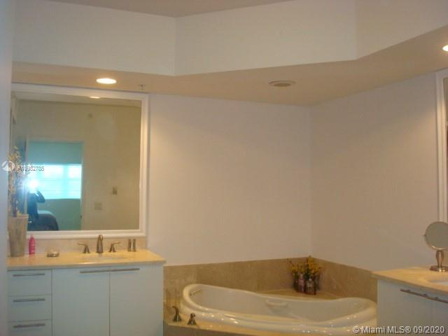 15051 Royal Oaks Ln #705 photo04