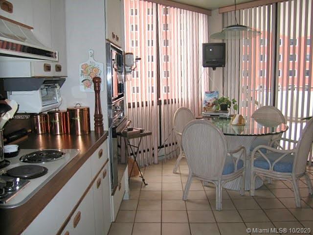 1581 Brickell Ave #306 photo022