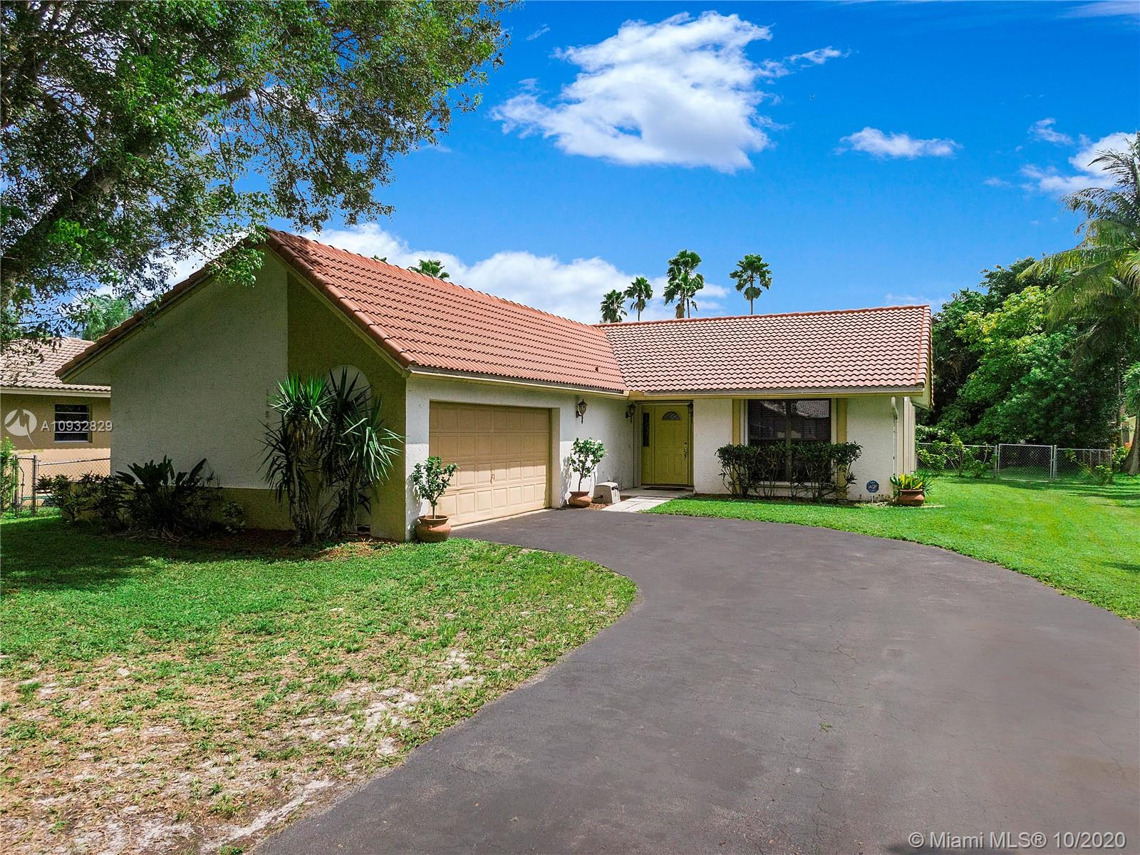 Property for sale at 11540 NW 39th Pl, Coral Springs,  Florida 33065