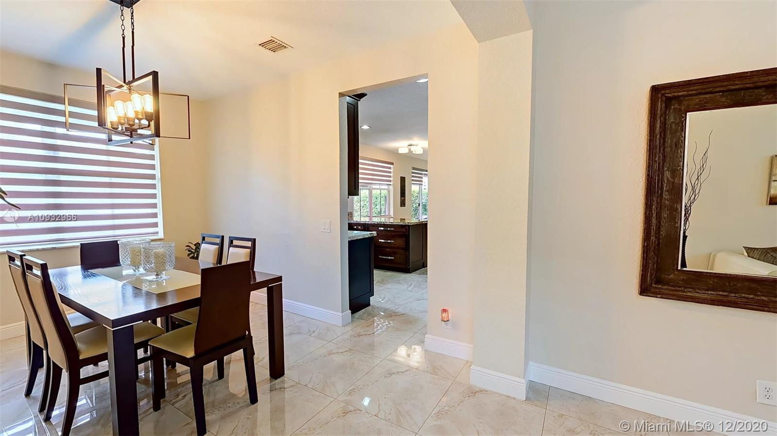 Photo - 977 Tulip Cir, Weston FL 33327