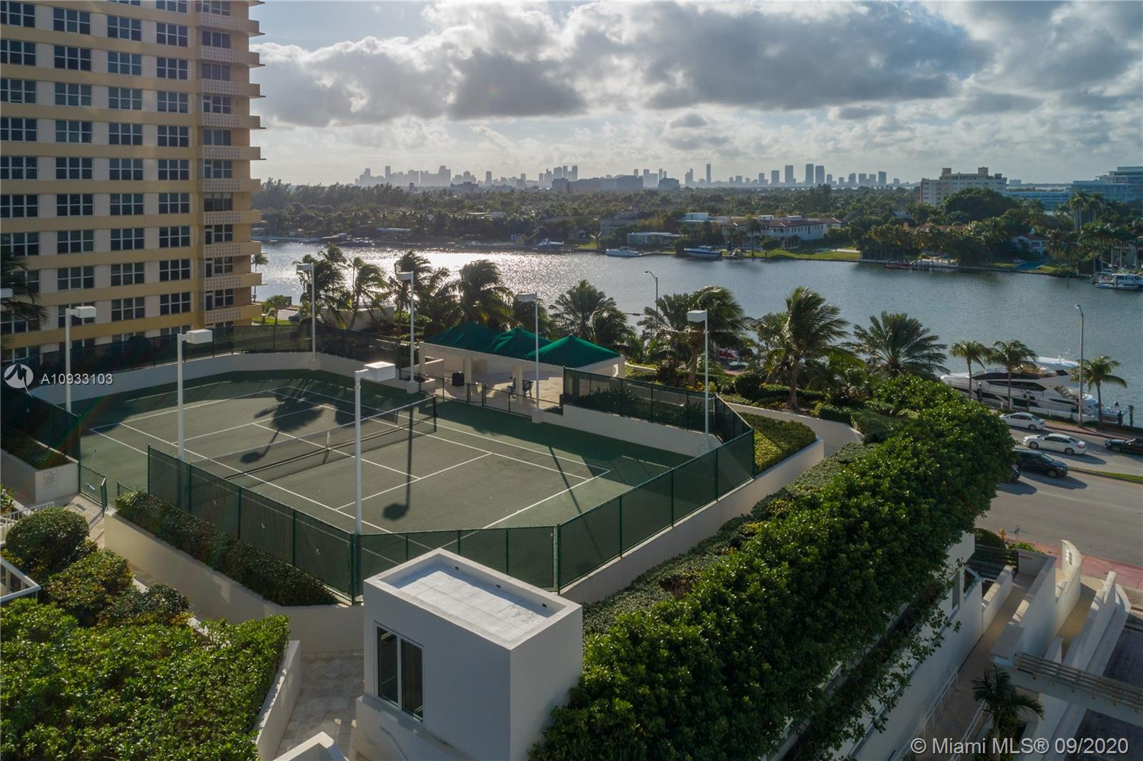 4775 Collins Ave #1704 photo016
