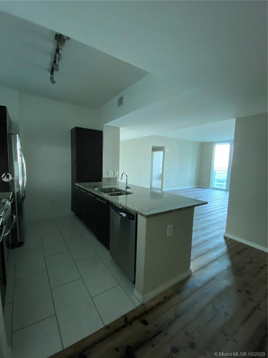 Photo of 951 Brickell Ave #2204 listing for Sale