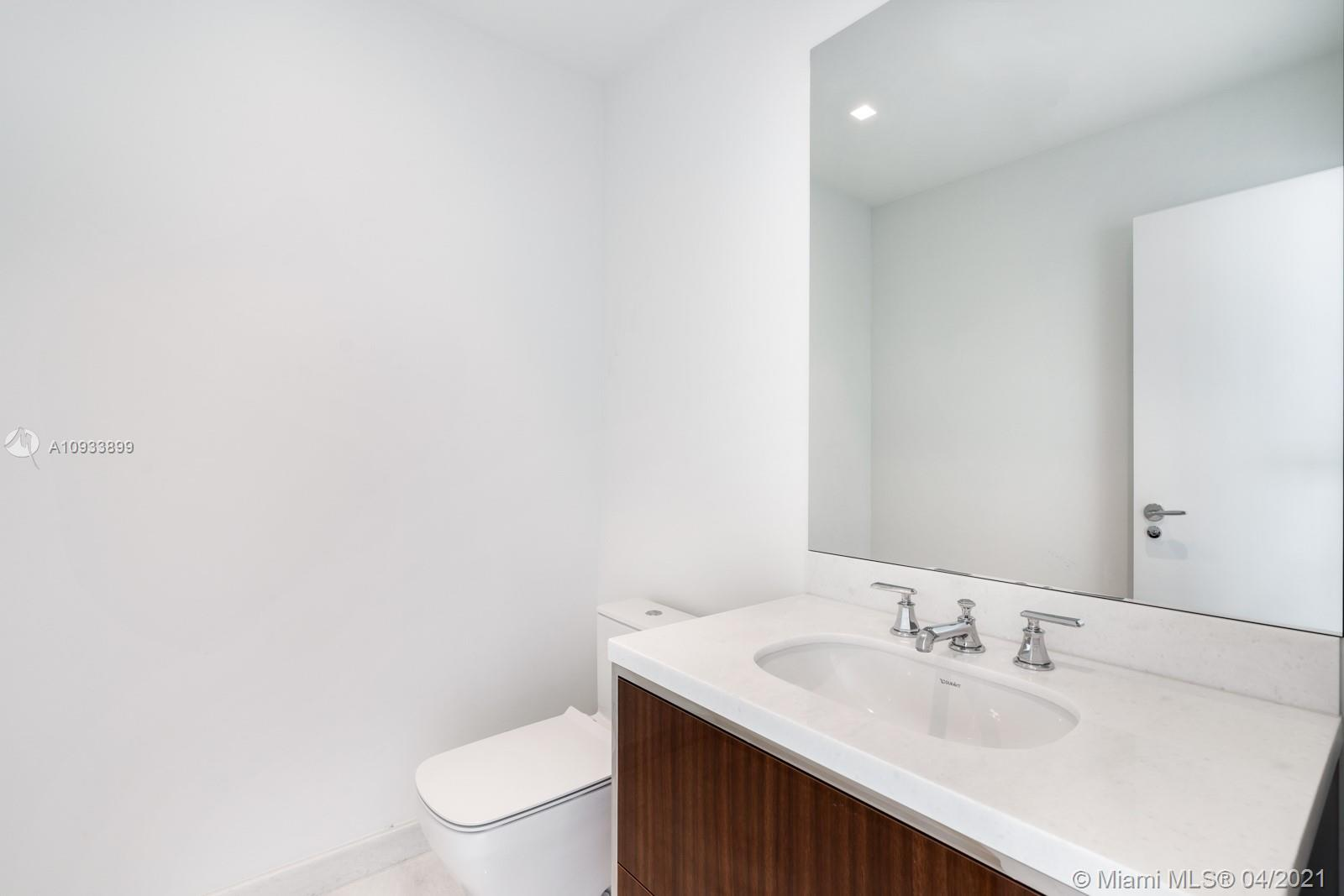 15701 Collins Ave #2802 photo015