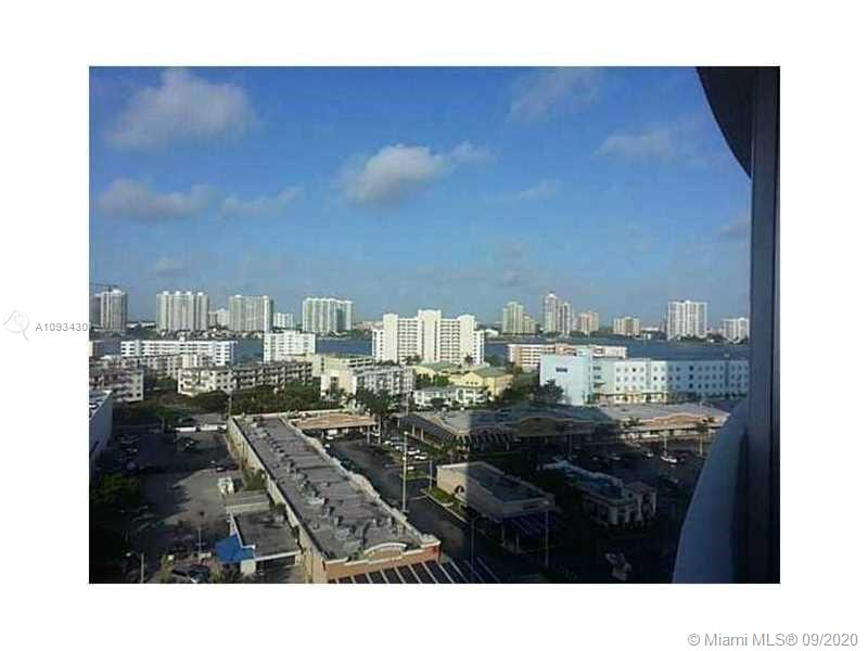 18001 Collins Ave #918 photo01