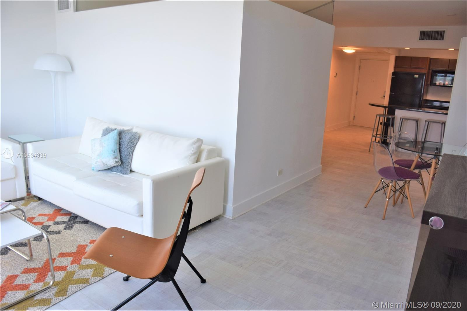 2301 Collins Ave #836 photo03