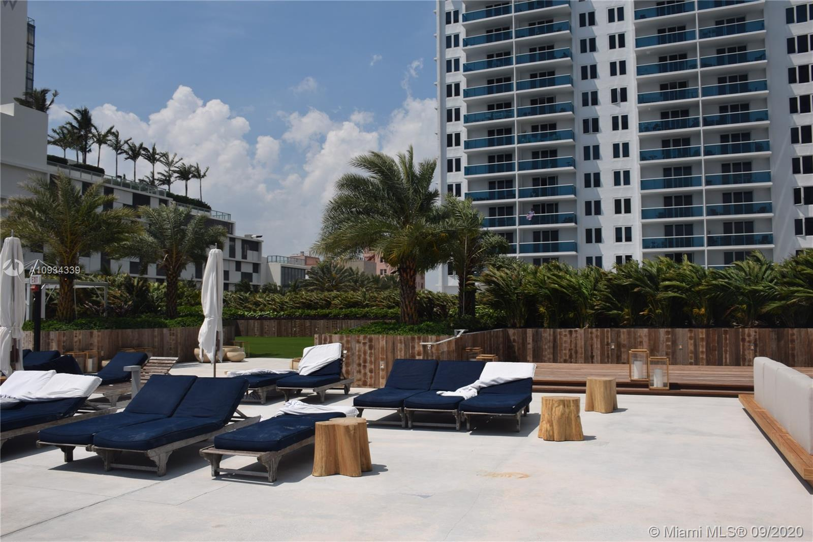 Photo of 2301 Collins Ave #836 listing for Sale
