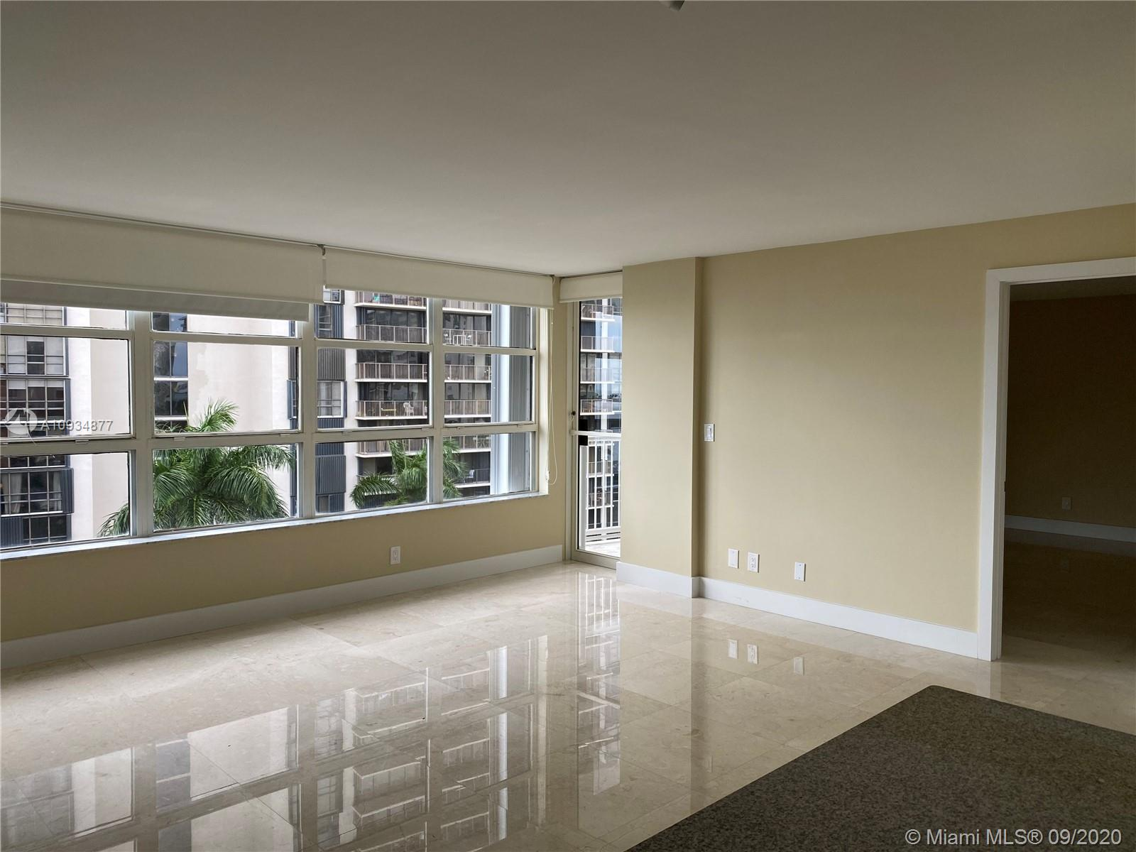 1440 Brickell Bay Dr #710 photo01
