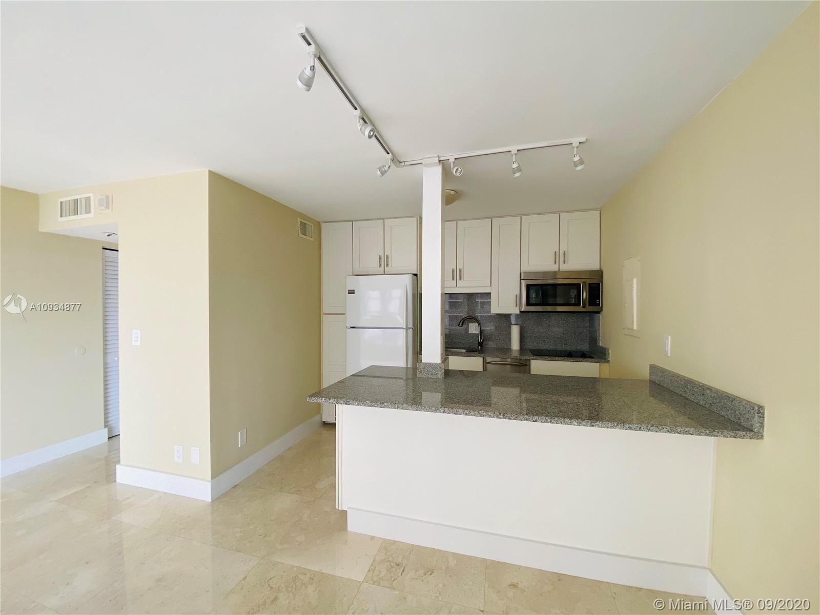 1440 Brickell Bay Dr #710 photo04