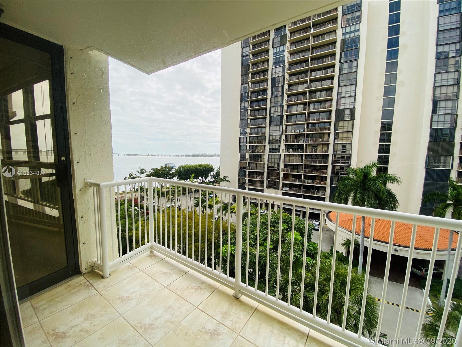 1440 Brickell Bay Dr #710 photo08
