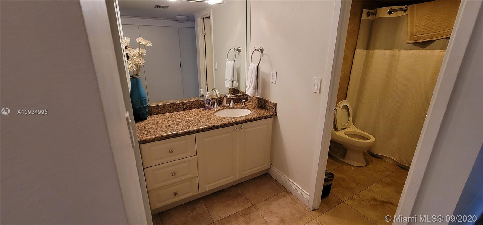 2333 Brickell Ave #2512 photo042
