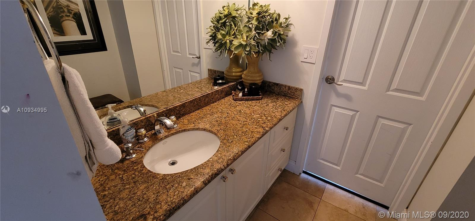 2333 Brickell Ave #2512 photo030