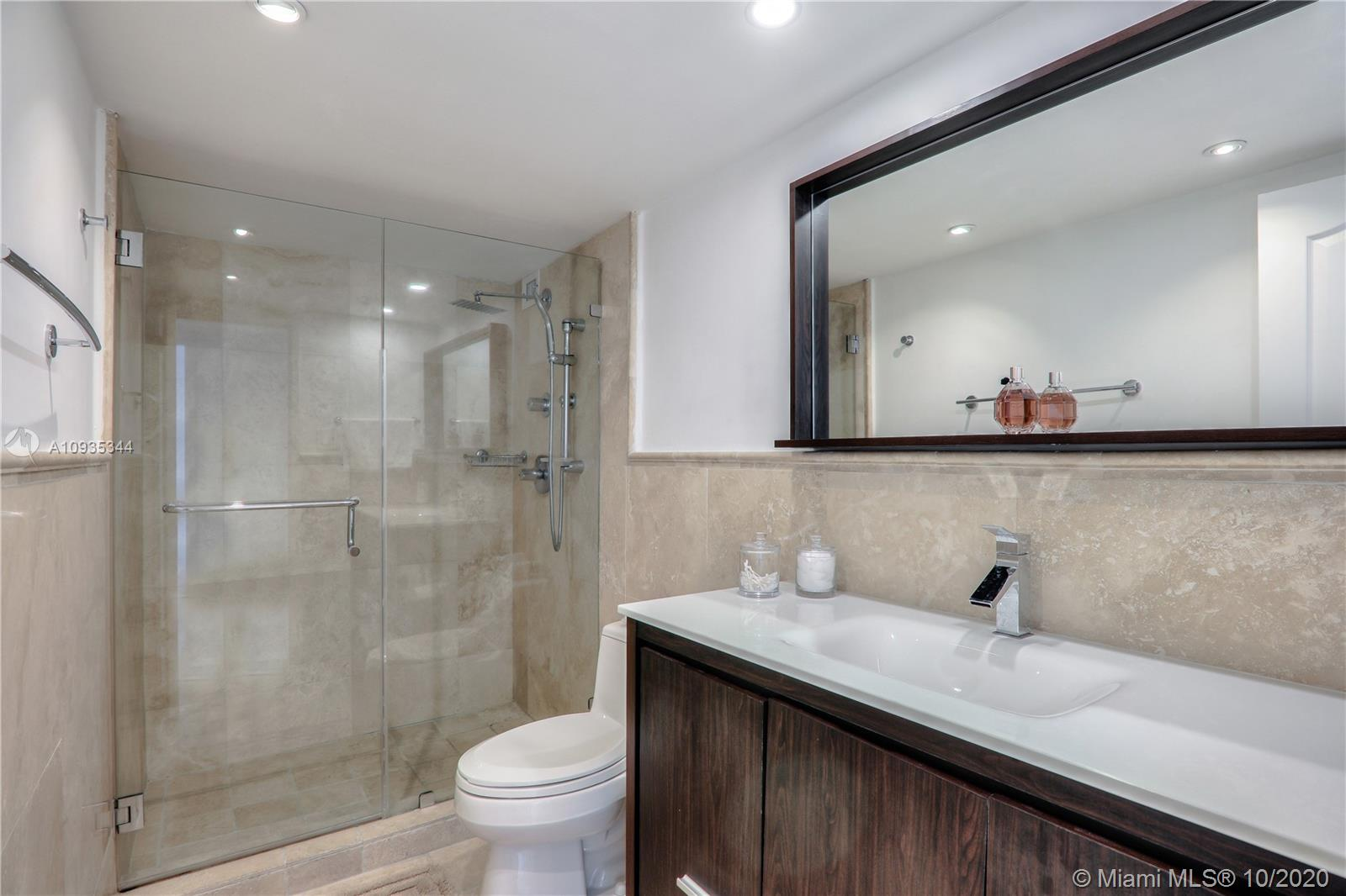 5700 Collins Ave #16E photo09