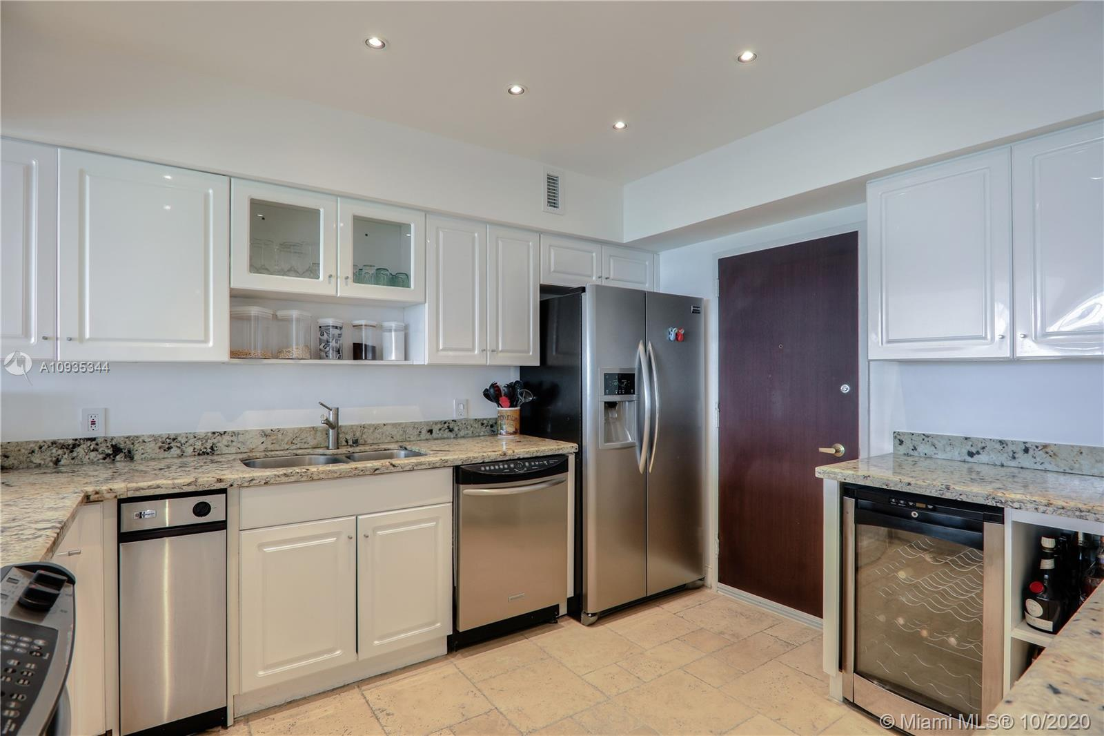 5700 Collins Ave #16E photo04