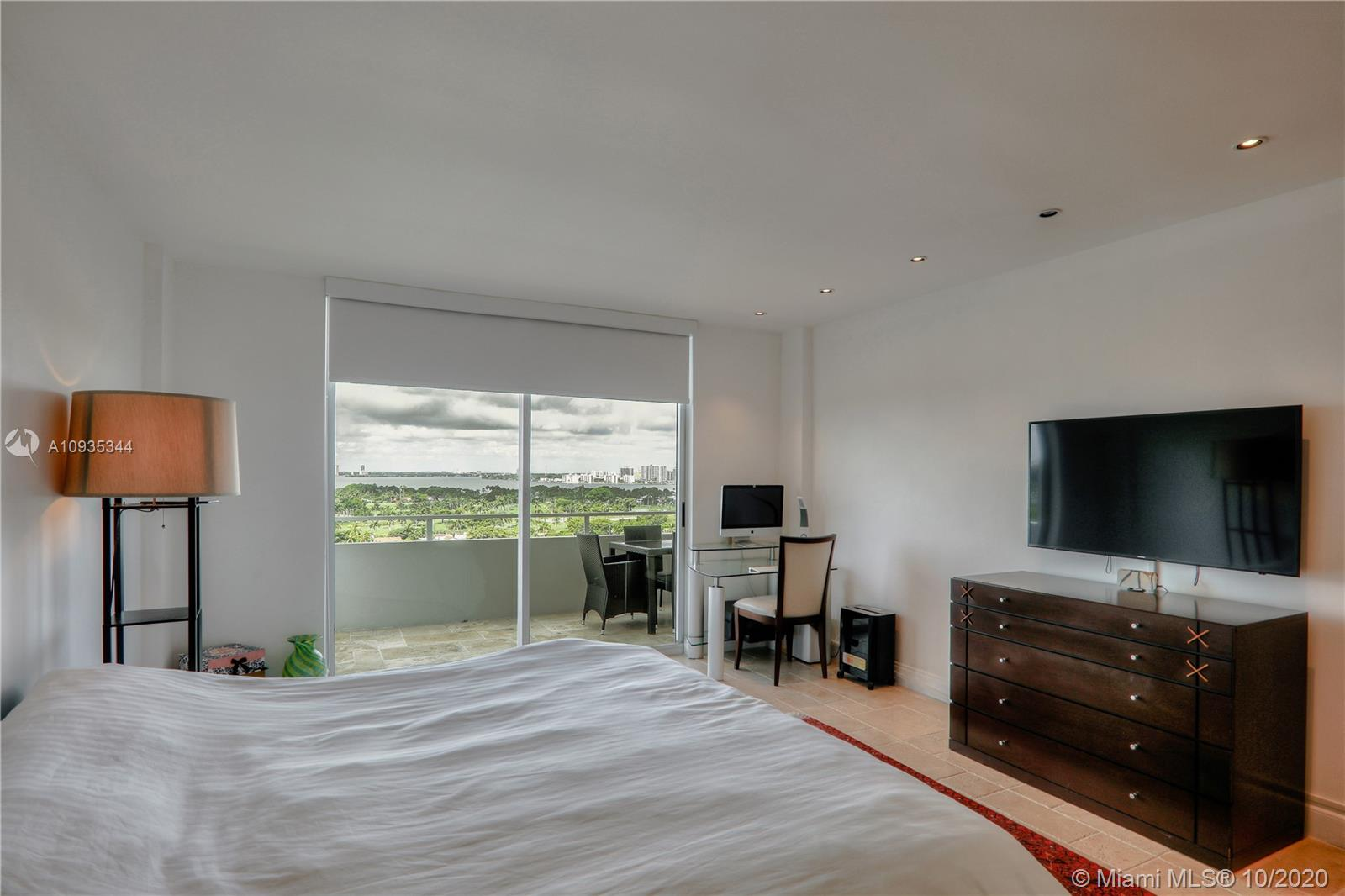 5700 Collins Ave #16E photo08