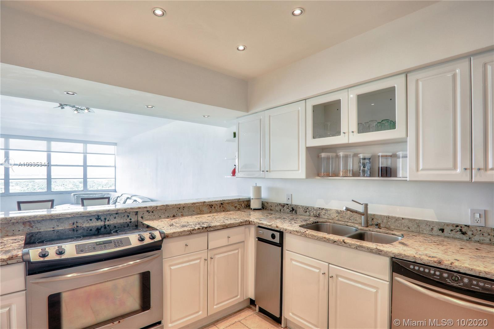 5700 Collins Ave #16E photo025