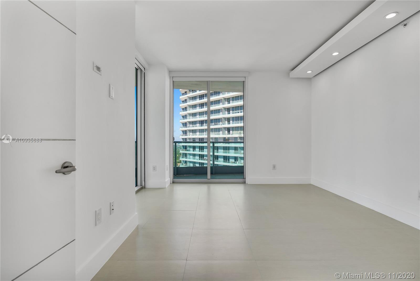 1331 Brickell Bay Dr #3611 photo033