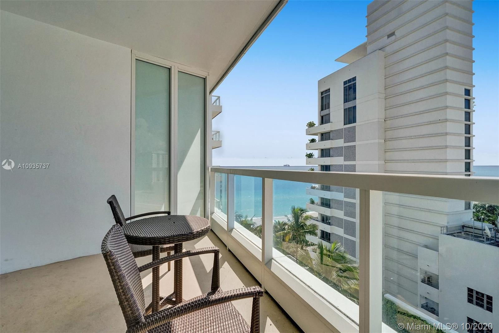 4391 COLLINS AVE #1017 photo030
