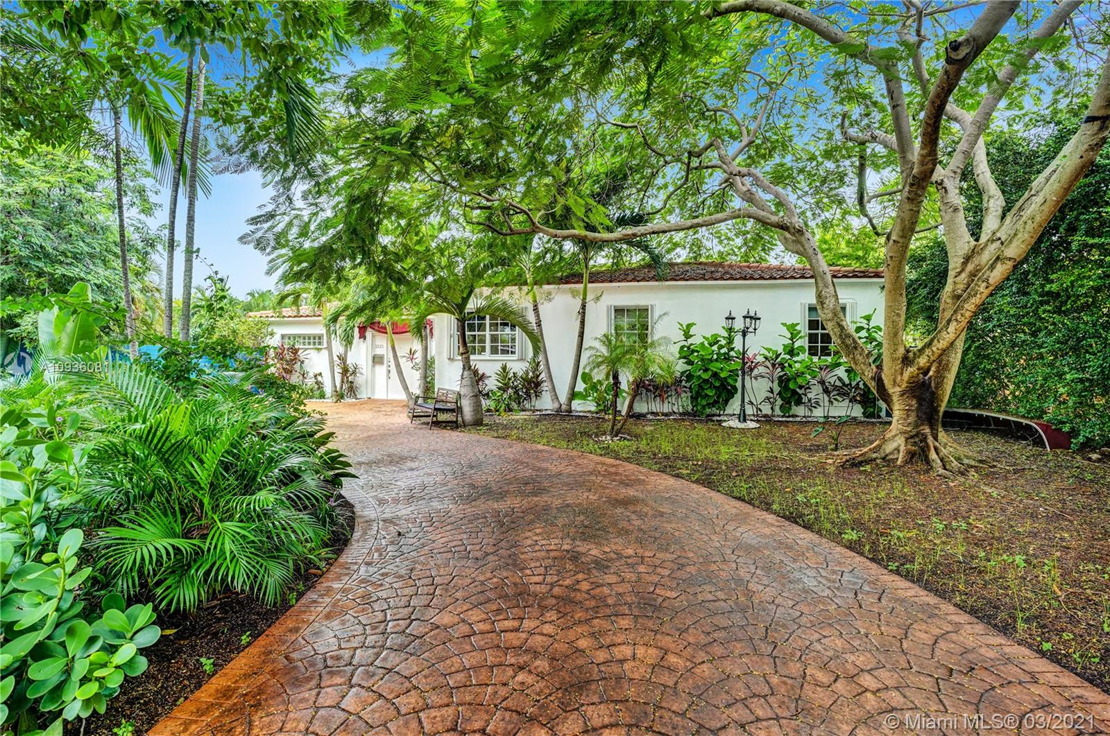 Photo of 1321 S Biscayne Point Rd # listing for Sale