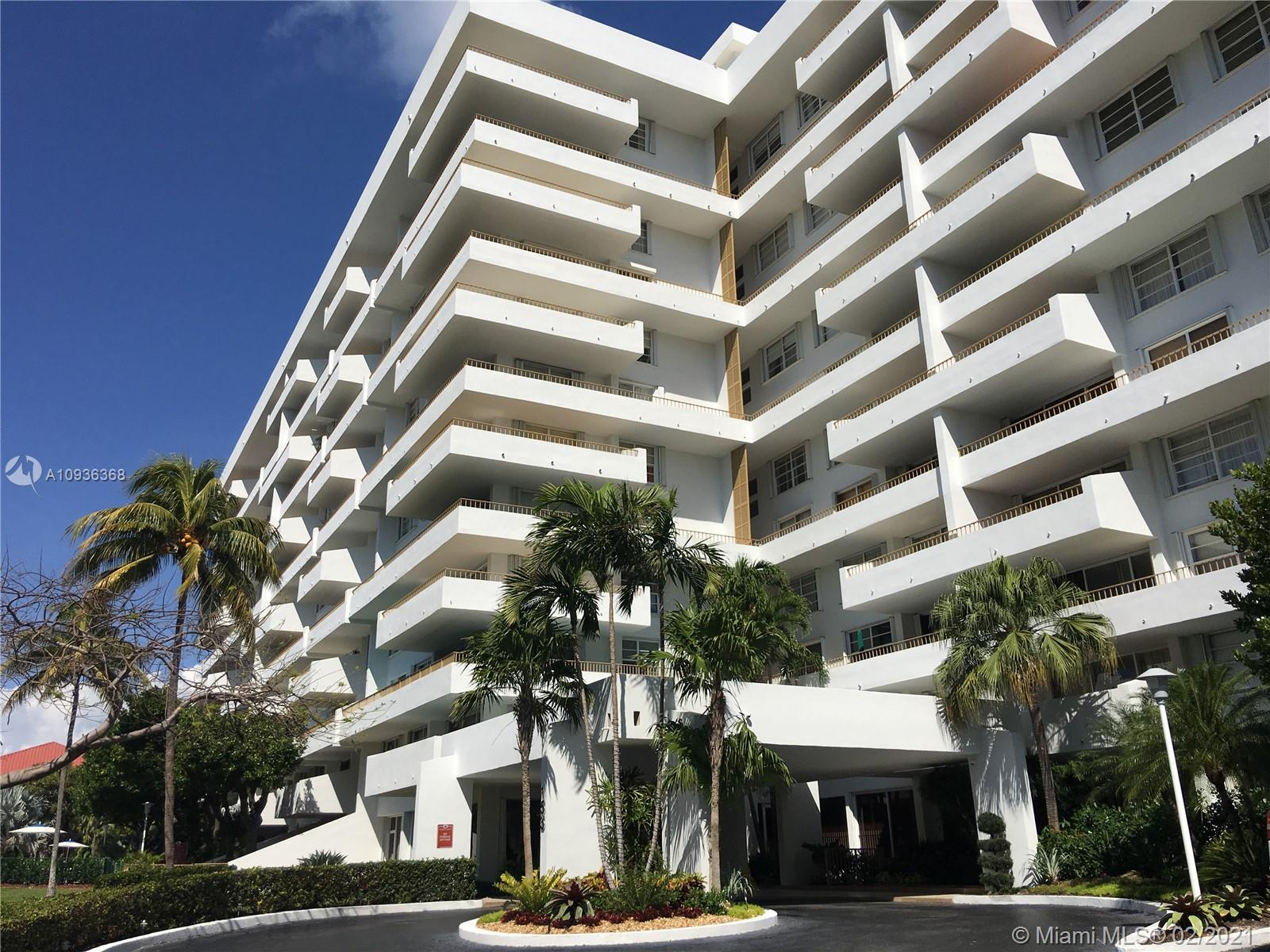 Commodore Club West #204 - 155 Ocean Lane Dr #204, Key Biscayne, FL 33149