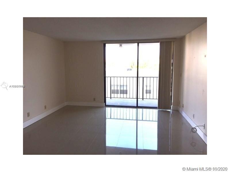 2625 Collins Ave #409 photo02