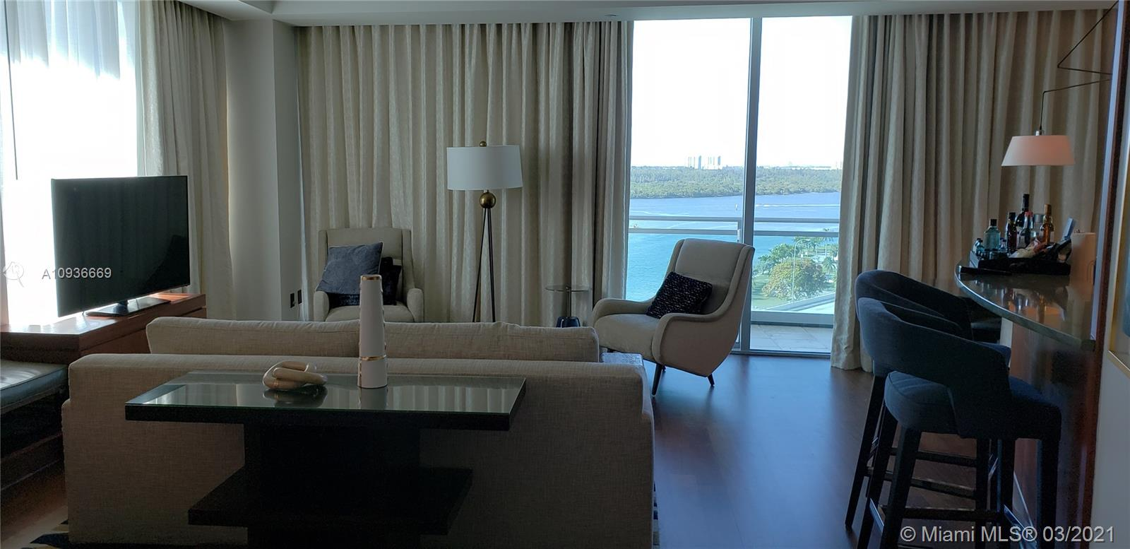 10295 Collins Ave #610 photo03