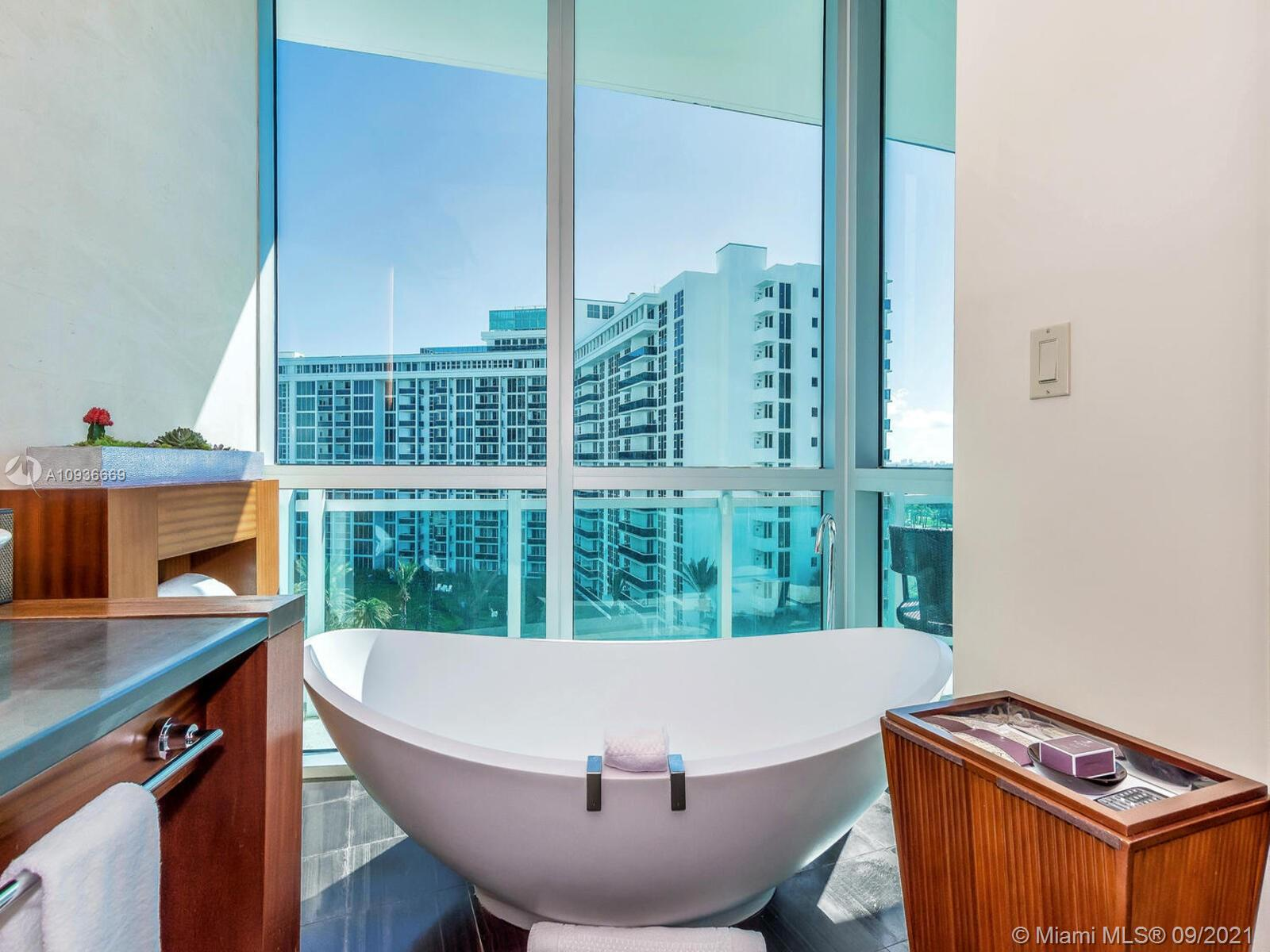 10295 Collins Ave #610 photo041