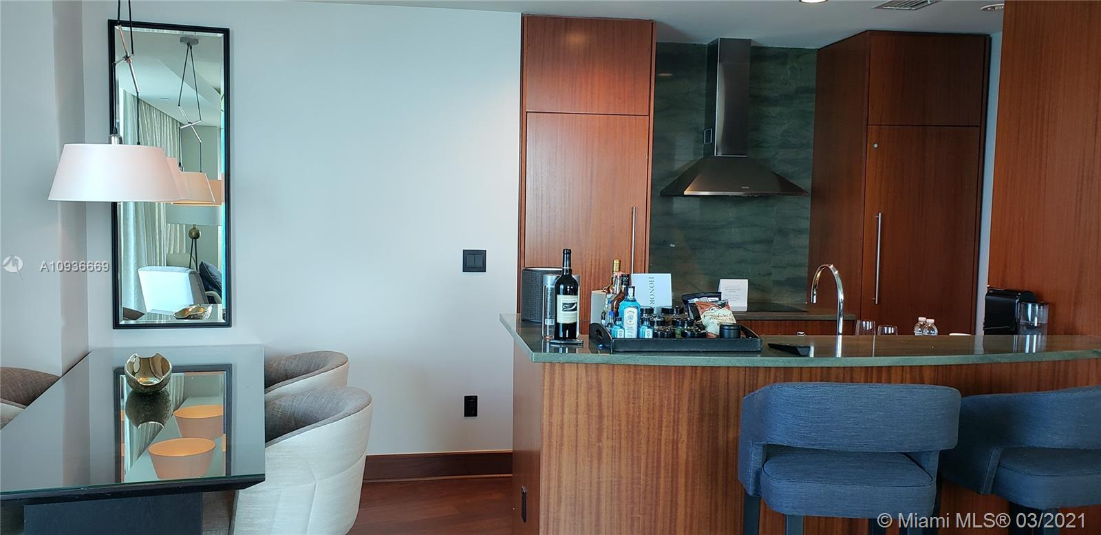 10295 Collins Ave #610 photo04