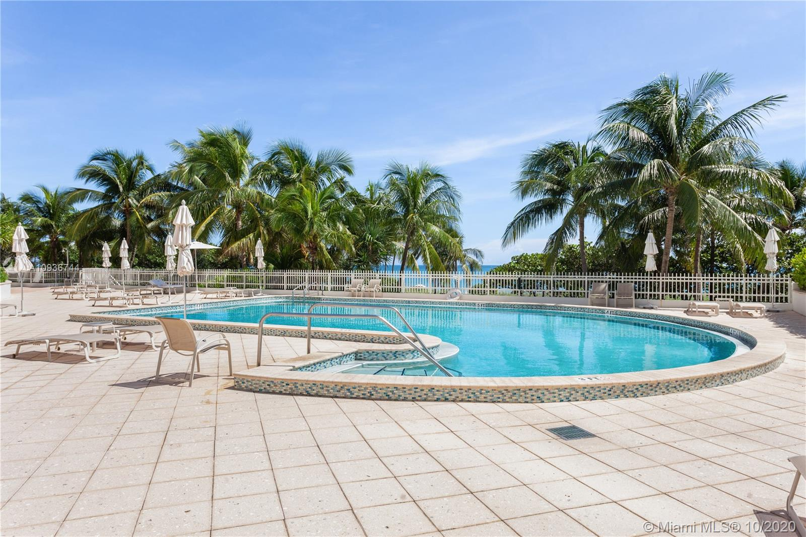 10205 Collins Ave #1601 photo021