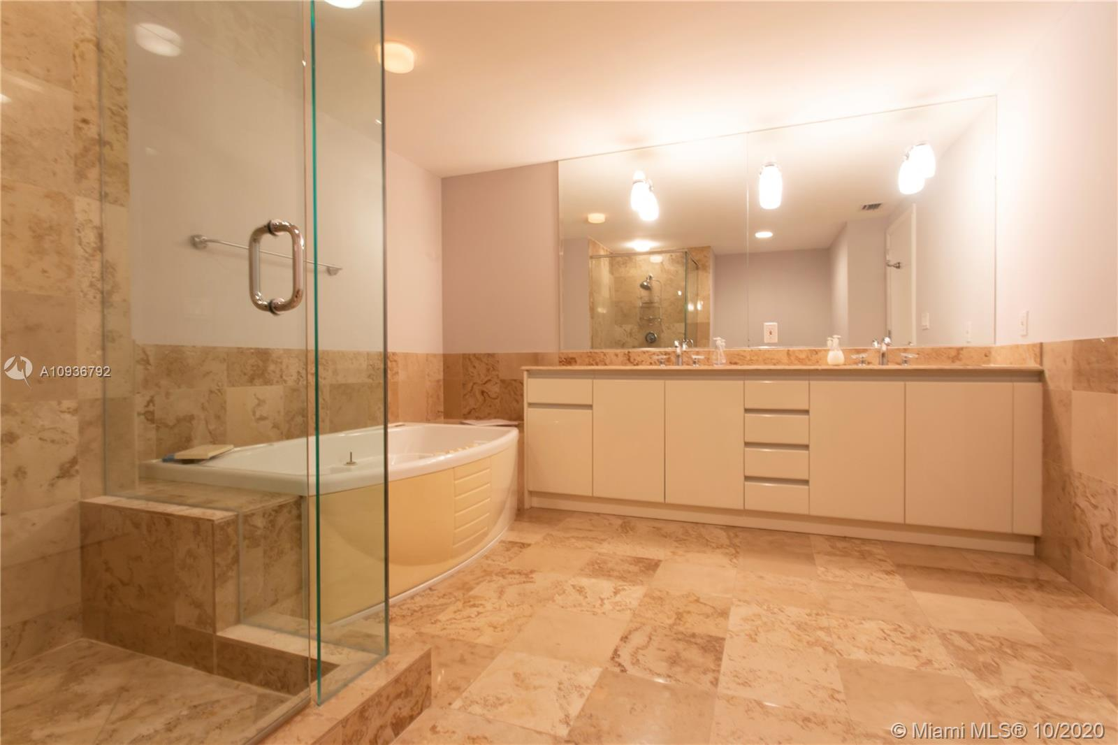 Photo of 1455 Ocean Dr #806 listing for Sale