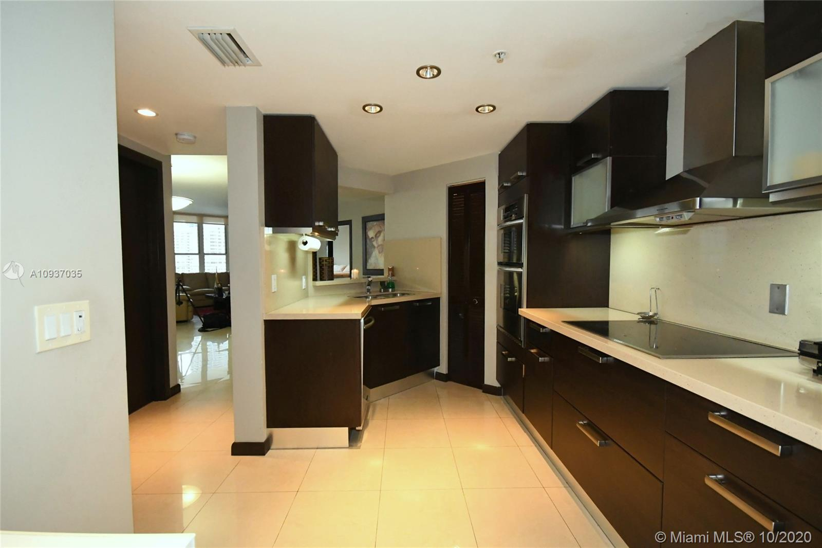 701 Brickell Key Blvd #1012 photo06