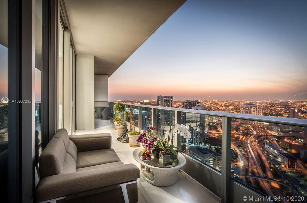 Photo of 200 Biscayne Boulevard Way #5010 listing for Sale