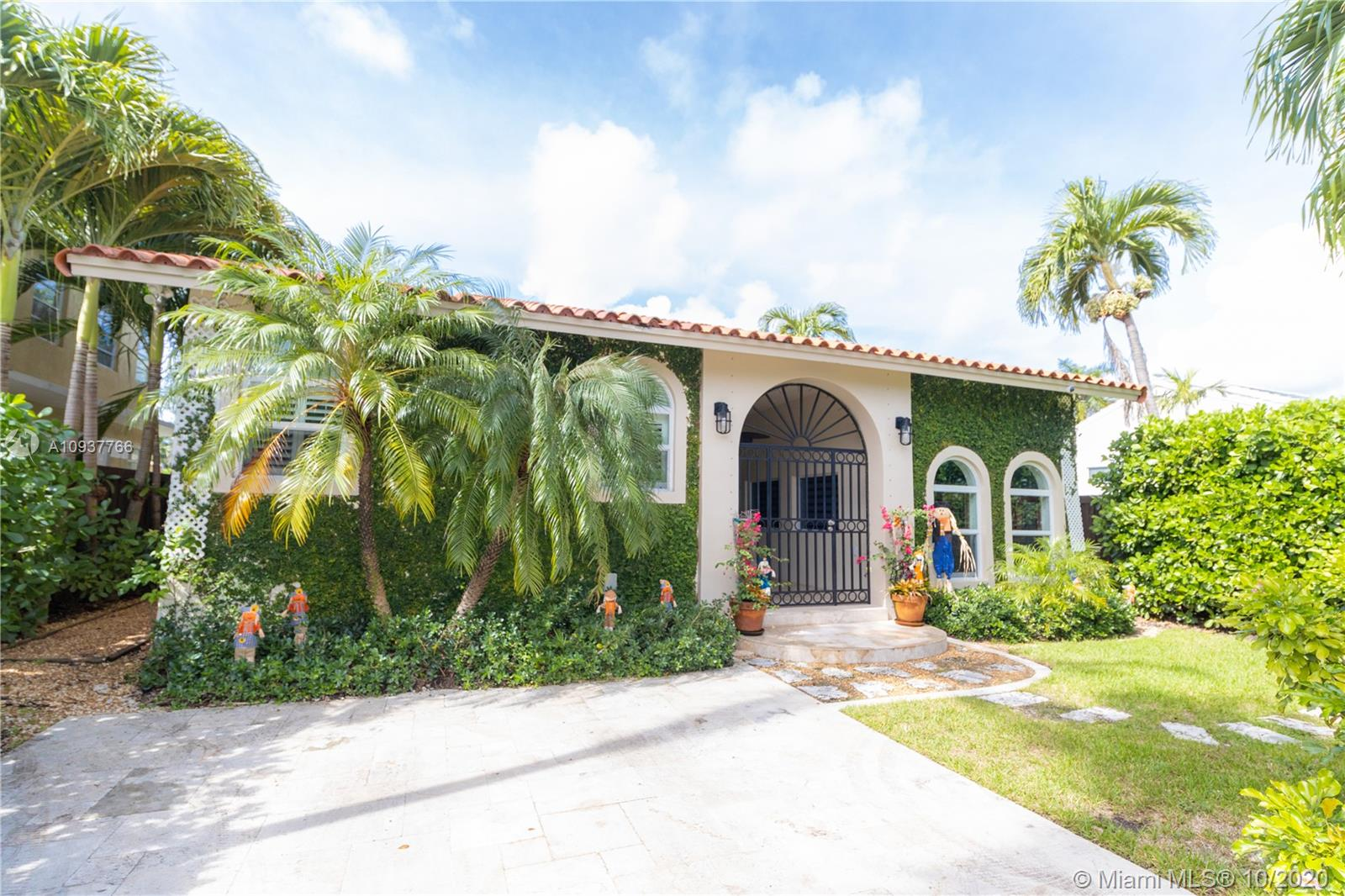 3550 Crystal Ct, Miami, Florida 33133, 3 Bedrooms Bedrooms, ,4 BathroomsBathrooms,Residential,For Sale,3550 Crystal Ct,A10937766