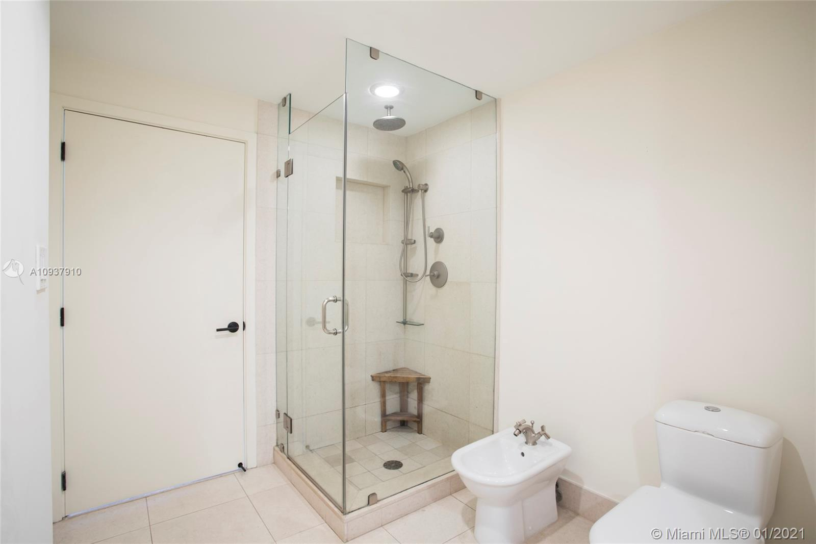 6799 Collins Ave #705 photo018