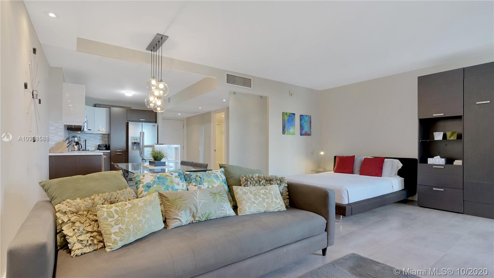 2301 Collins Ave #723 photo013