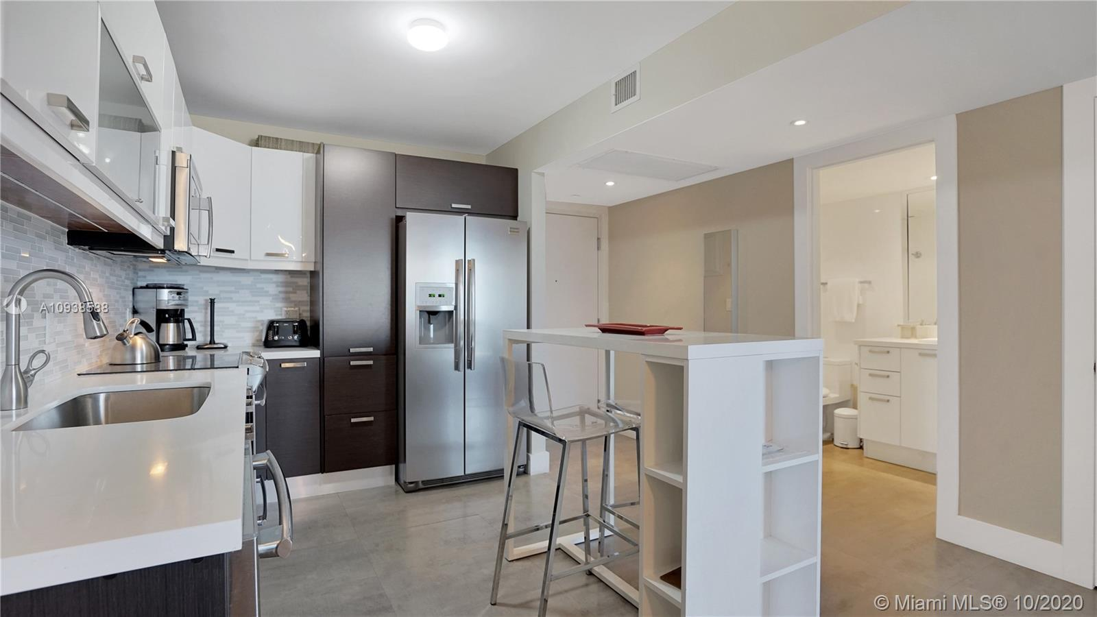 2301 Collins Ave #723 photo05