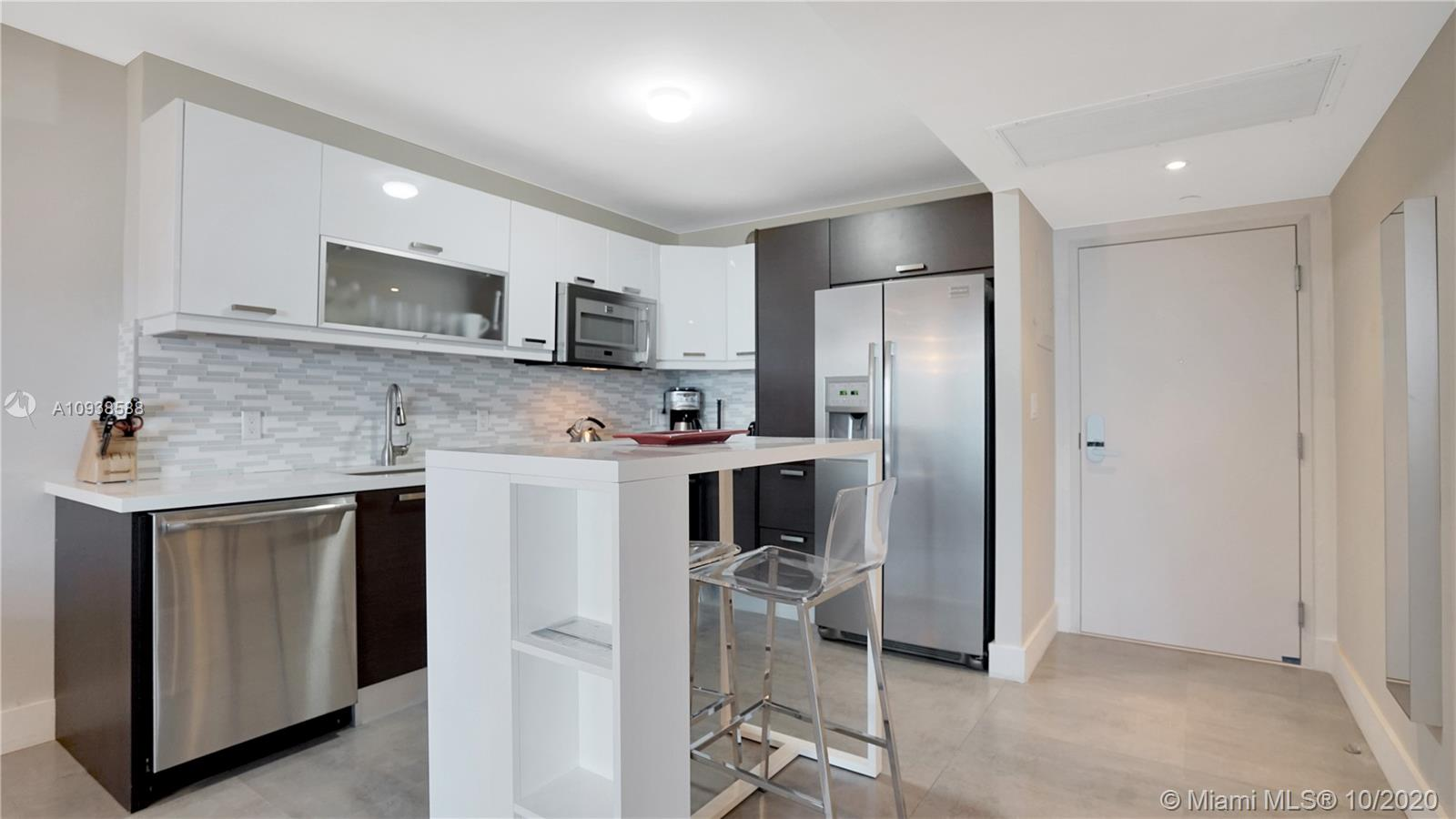 2301 Collins Ave #723 photo04
