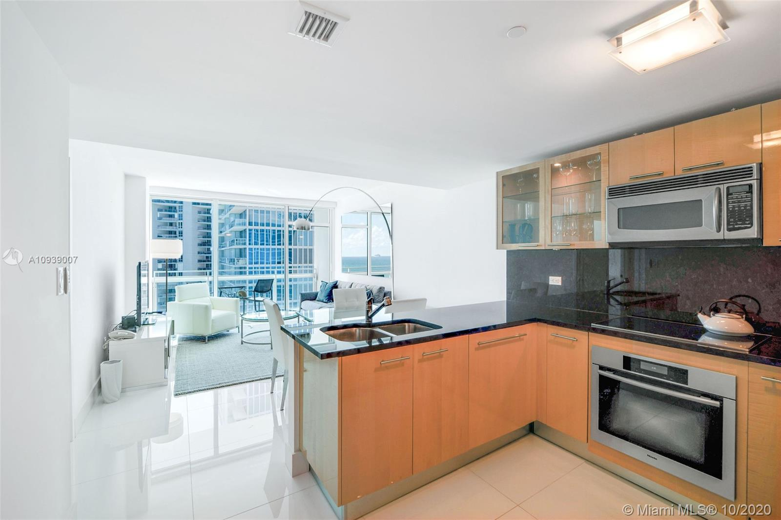 6801 Collins Ave #1208 photo04