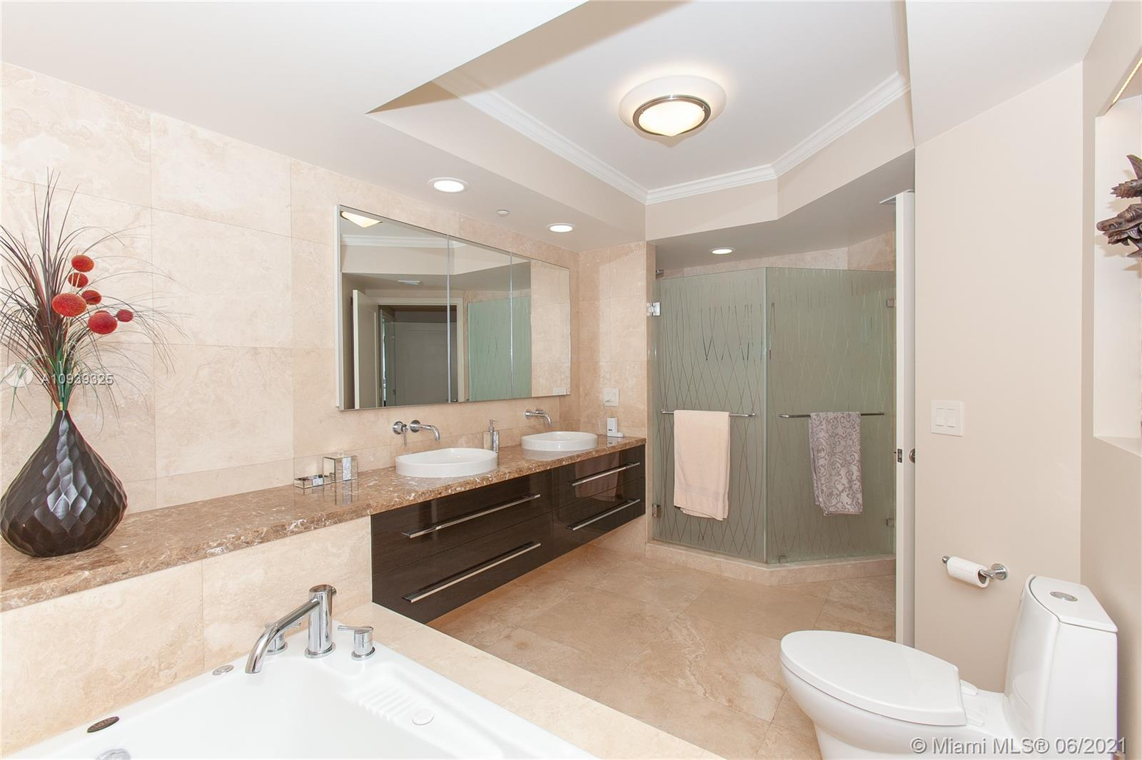 16400 Collins Ave #644 photo023