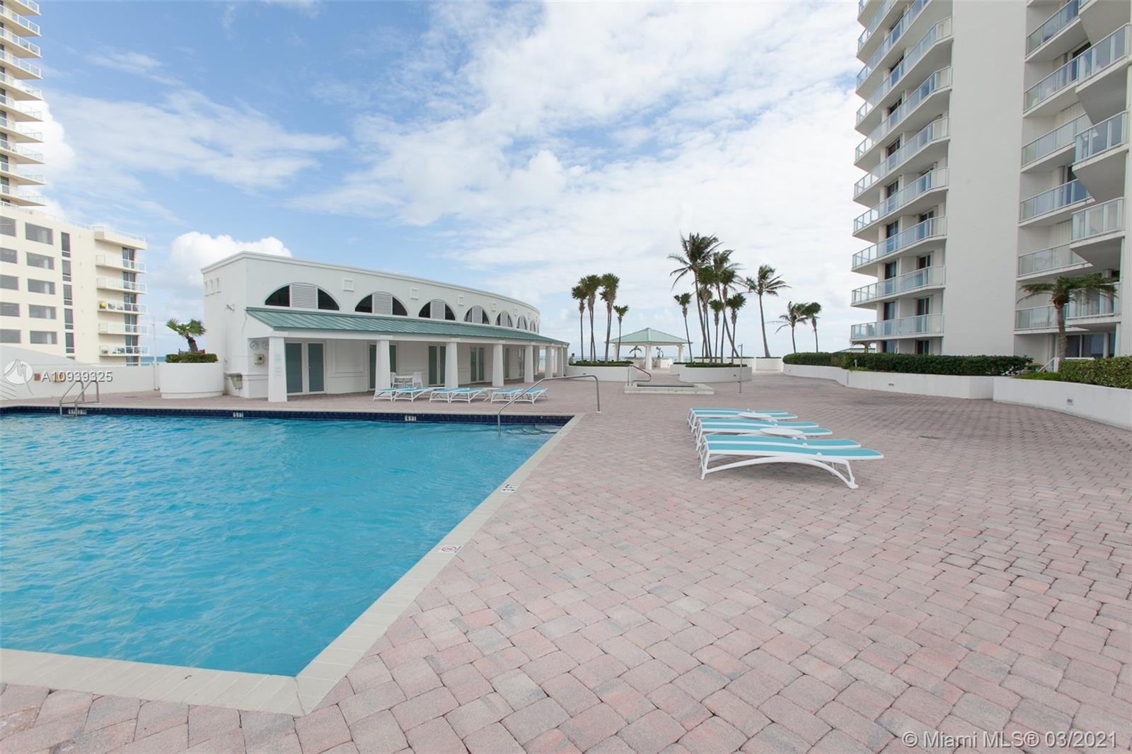 16400 Collins Ave #644 photo033