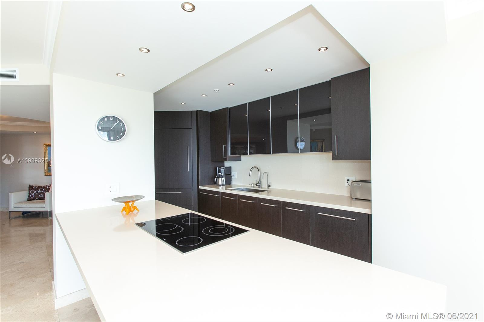16400 Collins Ave #644 photo018