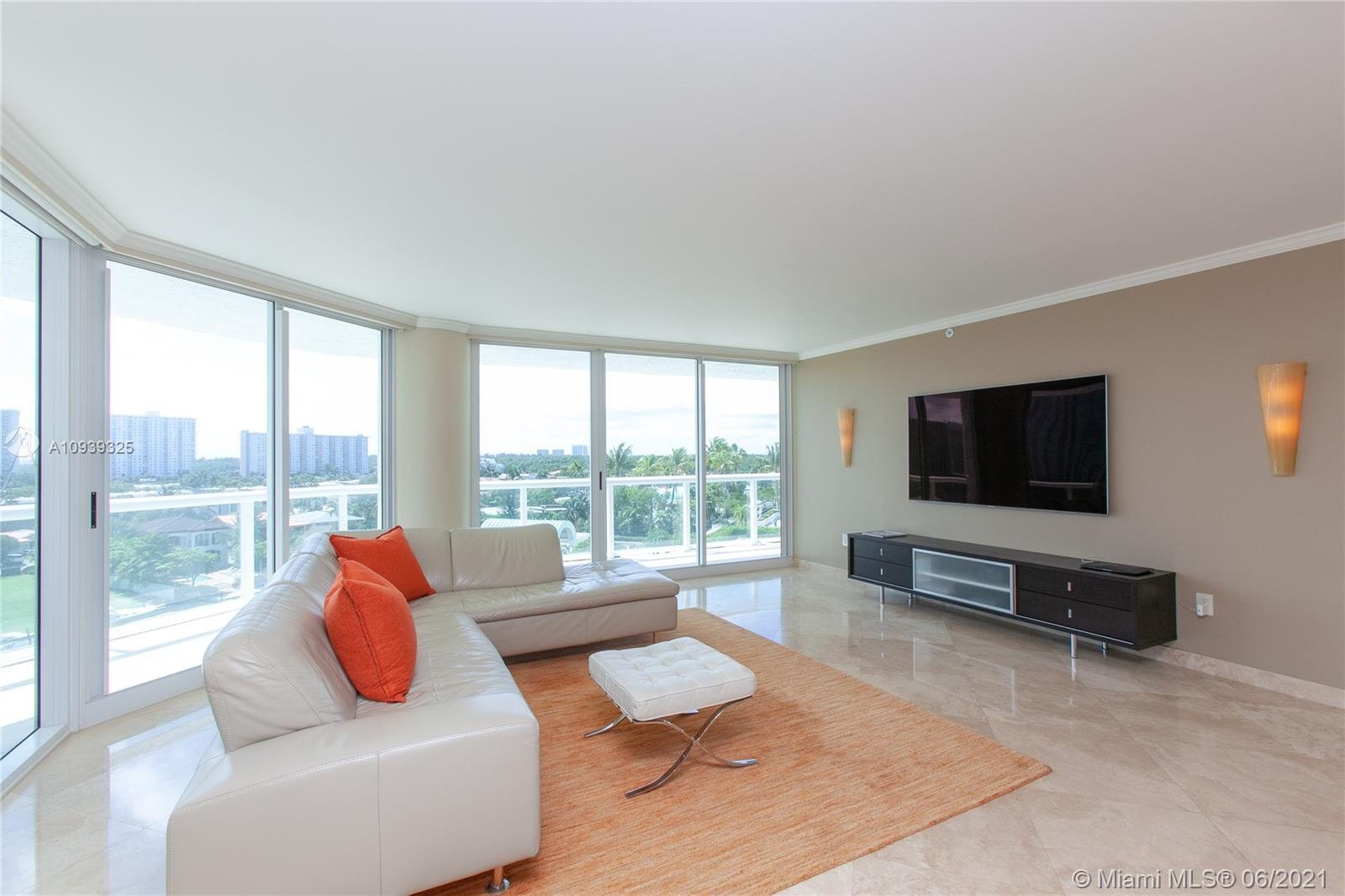 16400 Collins Ave #644 photo08