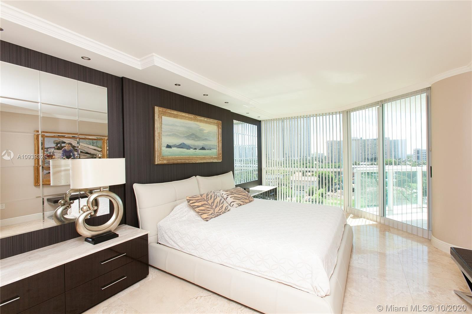 16400 Collins Ave #644 photo021